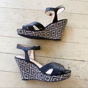 Guess black white tribal wedge sandals heels 8